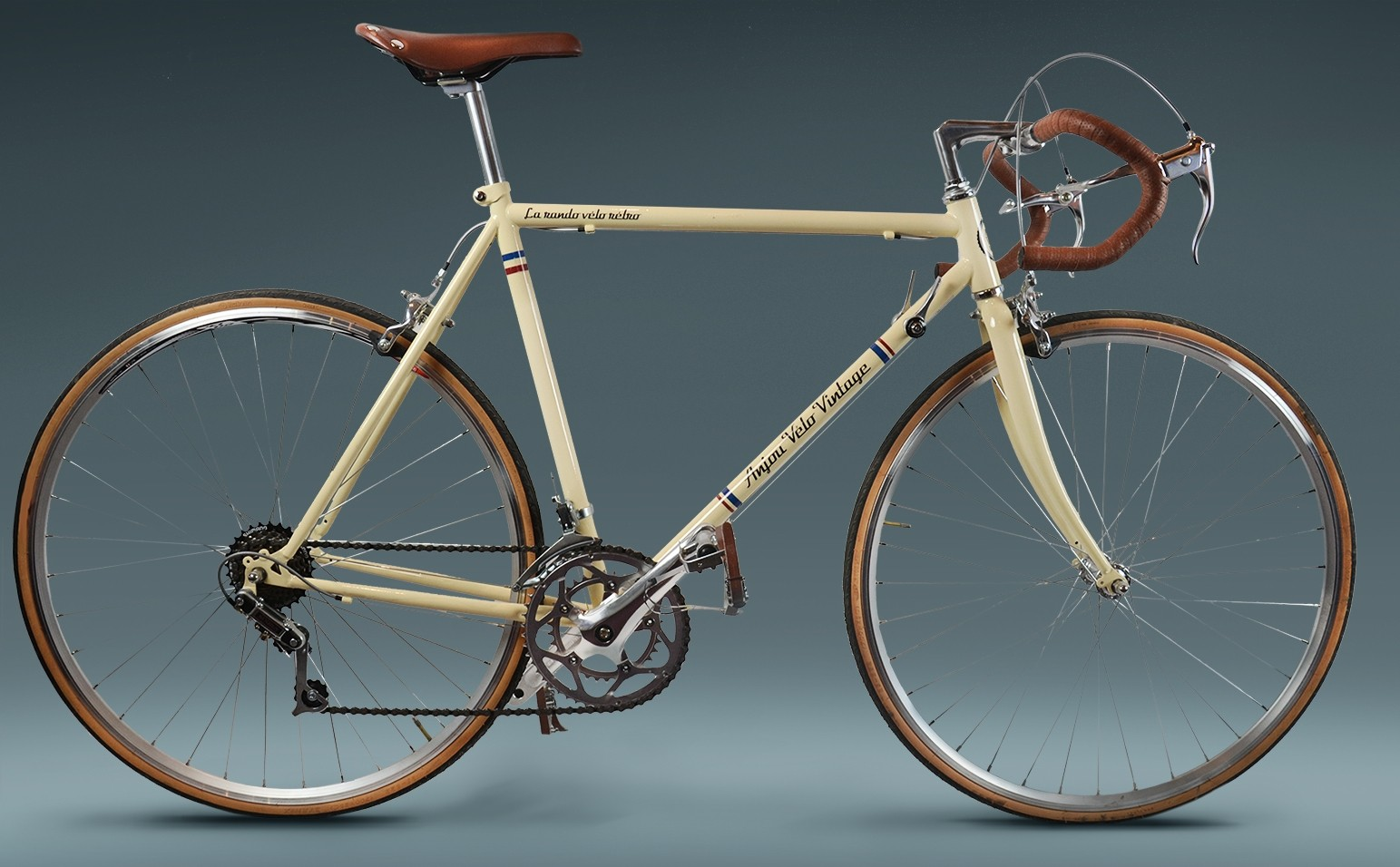 "Anjou Vélo Vintage : vélo route rétro et ""made in France"""