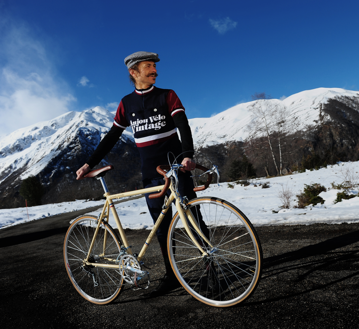 """Anjou Vélo Vintage : vélos et maillots rétro et """"made in France"""""""