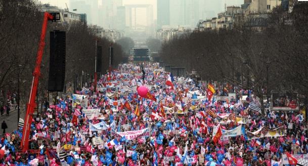 Manifestations : le changement c'est maintenant