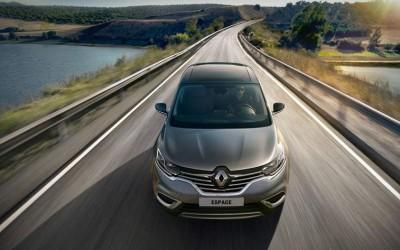 Bonne nouvelle : Renault va recruter à nouveau en France