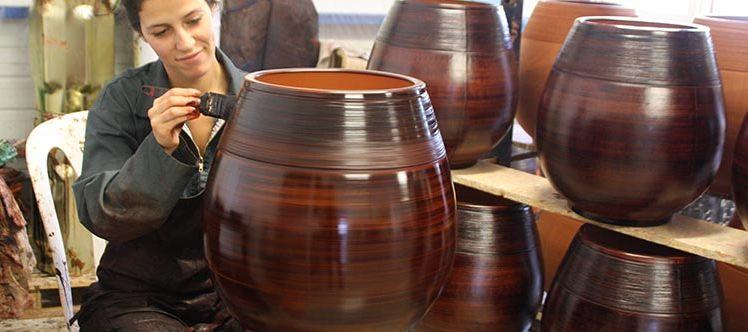 Les Poteries d'Albi, fabriquées à la main, en France