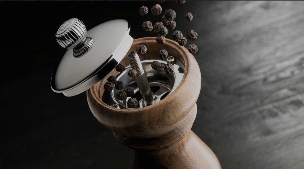 Les moulins Peugeot, pour le sel, le poivre, les épices ou le café sont tous fabriqués en France, dans le Doubs.