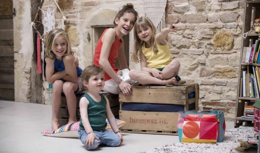 Débardeurs de couleurs pour  enfant, fabriqués en France par Tricots Marcel.