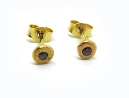 Boucles-puces d'oreilles fabriquées en France, par Philomène Thebault.
