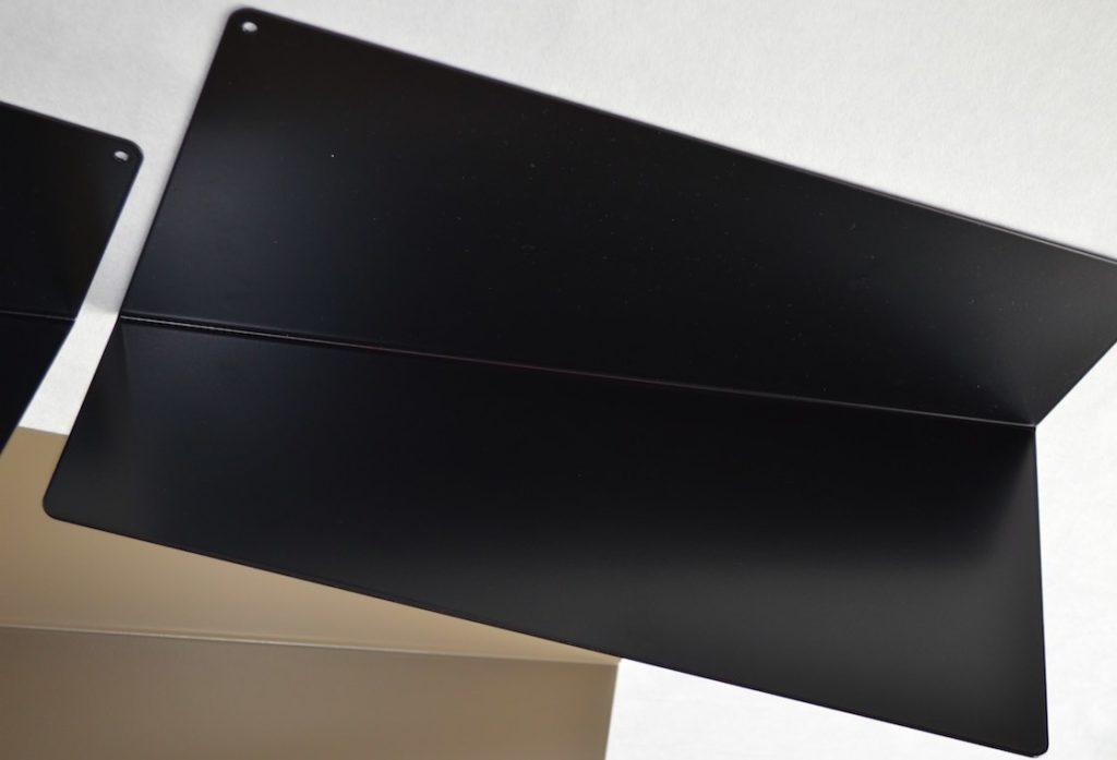 IDfer Folded, des étagères en aluminium à la fois pratiques, design et fabriquées en France.