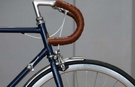 Cycles Panache remet à neuf de vieux vélos made in France.