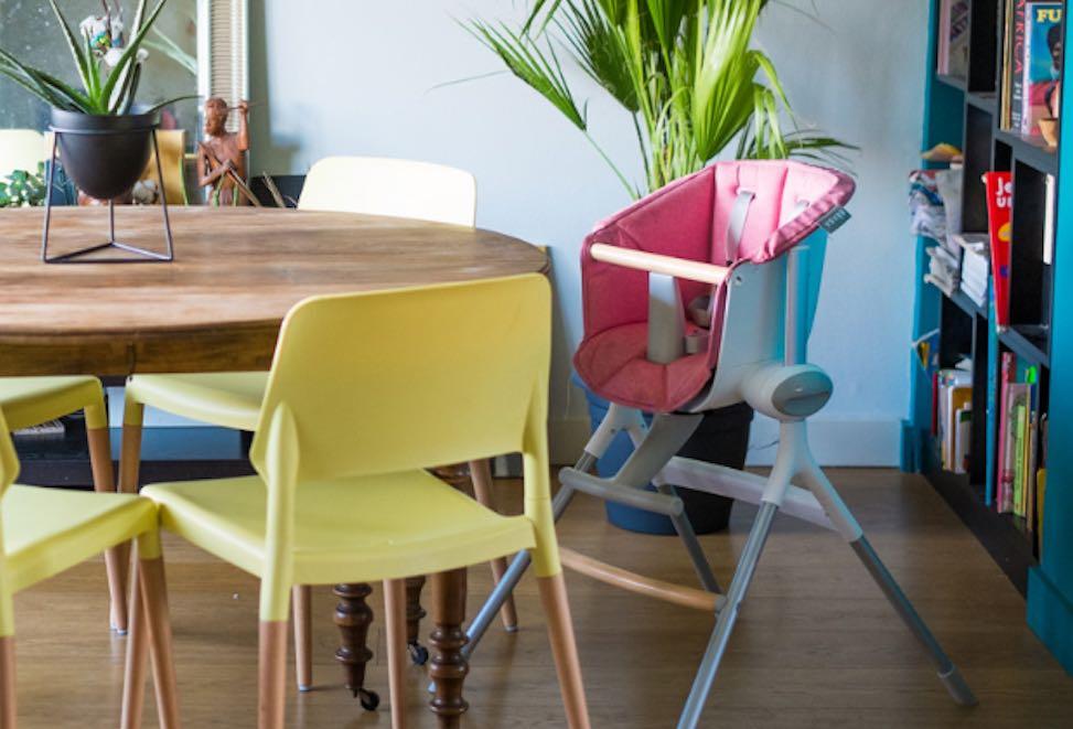 Chaise haute pour enfant, fabriquée en France par Béaba.