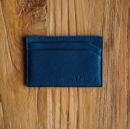 Porte-carte homme en cuir bleu marine, made in France, Montlimart.