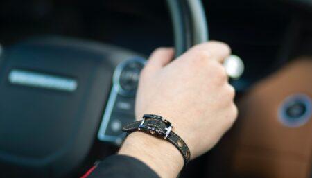 Bracelet homme en titane et tissu fabriqué en France par BRM Luxury.