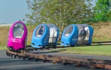 Capsules Urbanloop, conçues et fabriquées en France.