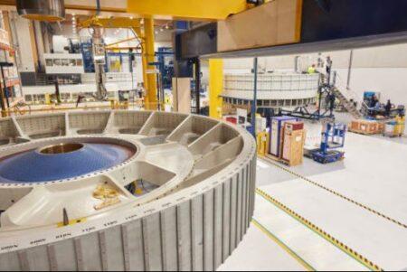 General Electric construitt les turbines et les nacelles des éoliennes à Montoir-de-Bretagne.